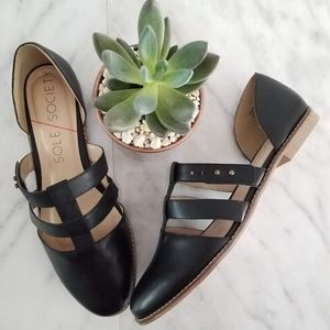 NWOT SOLE SOCIETY Flat Black Strap MaryJane Sandal